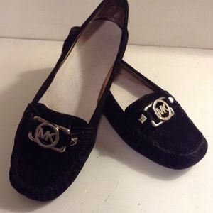 MICHAEL KORS - Black and silver MK logo loafers